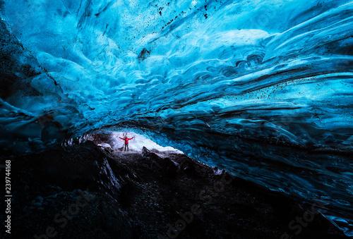 Fotografía Blue ice cave in Vatnajokull glacier, Iceland