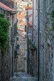 Fototapeta Na drzwi - Narrow street passage  in Dubrovnik