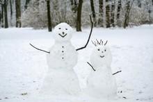 Two Snowmen In The Snow, Engli...