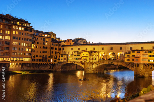 Foto op Aluminium Florence Ponte Vecchio Bridge over river Arno at night. Florence. Italy