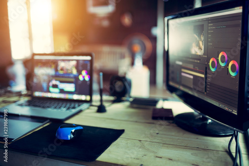 Photo  Monitor editing video content or creativity video for freelance vlog with laptop
