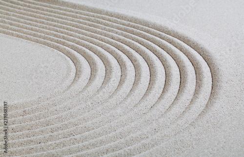Valokuva  ligne courbe dans le sable blanc