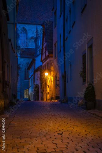 Fototapeten Schmale Gasse Medieval city street at night.
