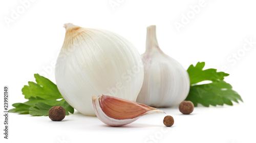 Obraz Garlic, onion, allspice and parsley on white background - fototapety do salonu