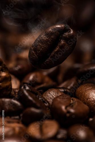 Fototapeta コーヒー豆を焙煎 obraz na płótnie