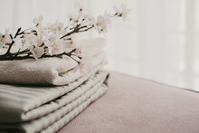 Stacks Grey White Bed Linen An...