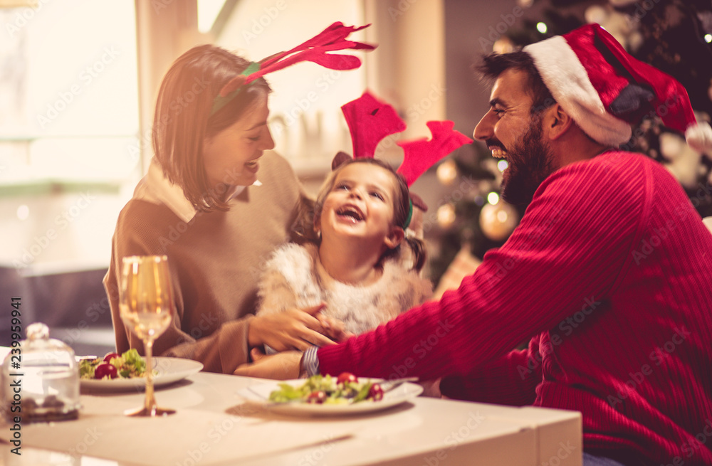 Fototapety, obrazy: The best time of the year, as family together.