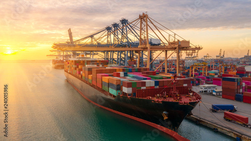 Tablou Canvas Container ship in export and import business logistics and transportation