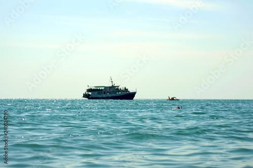 Foto op Canvas Schipbreuk sea ship in the port water area