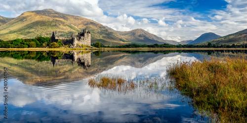 Fotografija  Kilchurn Castle Ruins on Loch Awe, Scotland