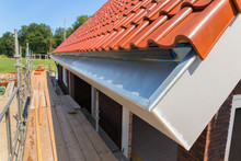 Zinc Rain Gutter With Roof Til...