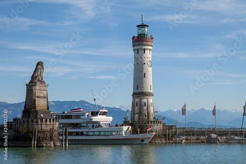 Foto op Canvas Poort Lindau Bodensee Hafen Einfahrt
