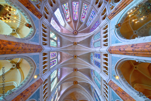 Fototapeta france, beauce,chartres : cathedral inside obraz