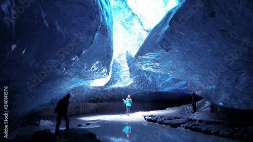 Fotomural The Ice Cave Crystal Cave in Vatnajökull glacier near Hof in Iceland