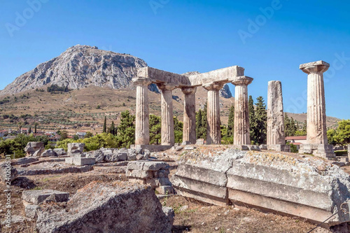 Ruins of Appollo temple in ancient Corinth, Peloponnese, Greece Canvas-taulu