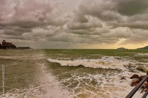 Fotografía  rough storm in Lerici