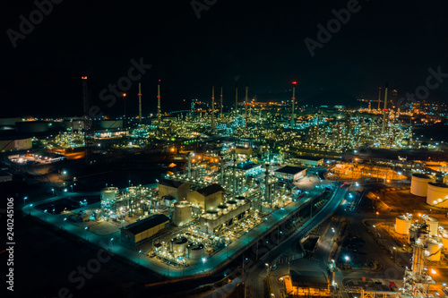 Aluminium Prints Industrial building Thailand oil refinery production at industrial estate Thailand. Crude Oil Production / Countries of the World - Oil Tank