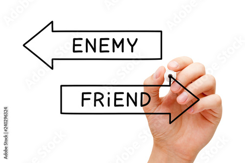 Fotografía Friend Or Enemy Arrows Concept