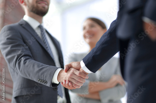 Fotografía  closeup of handshake of business partners