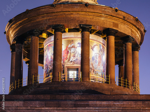 Fotografie, Obraz  Berlin Victory Column (Siegessaule) monument colonnade and mosaic at night Tierg