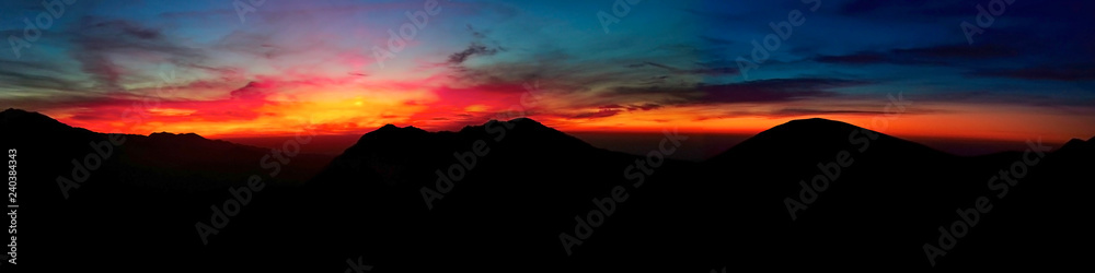 Fototapety, obrazy: contrasting sunset high in the mountains panorama