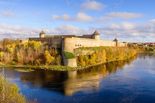 Foto  the ancient Russian fortress in Ivangorod, the monument and popular tourist attr