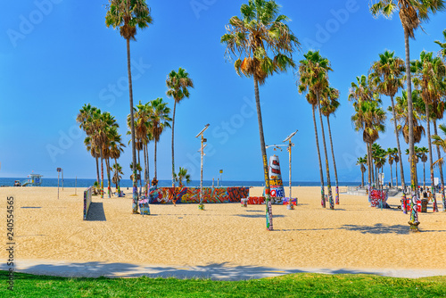 Foto op Plexiglas Verenigde Staten Famous Los Angeles Beach - Venice Beach with people.