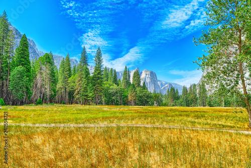 In de dag Verenigde Staten Yosemite Valley. Magnificent national American natural park - Yosemite.