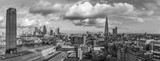 Fototapeta Londyn - Panoramic cityscape of central London skyline