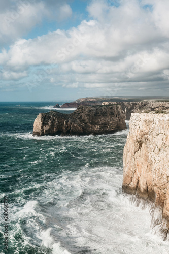 Fotografia  Beautiful view of the Atlantic Ocean and coastal cliffs off the coast of Portugal on a sunny day