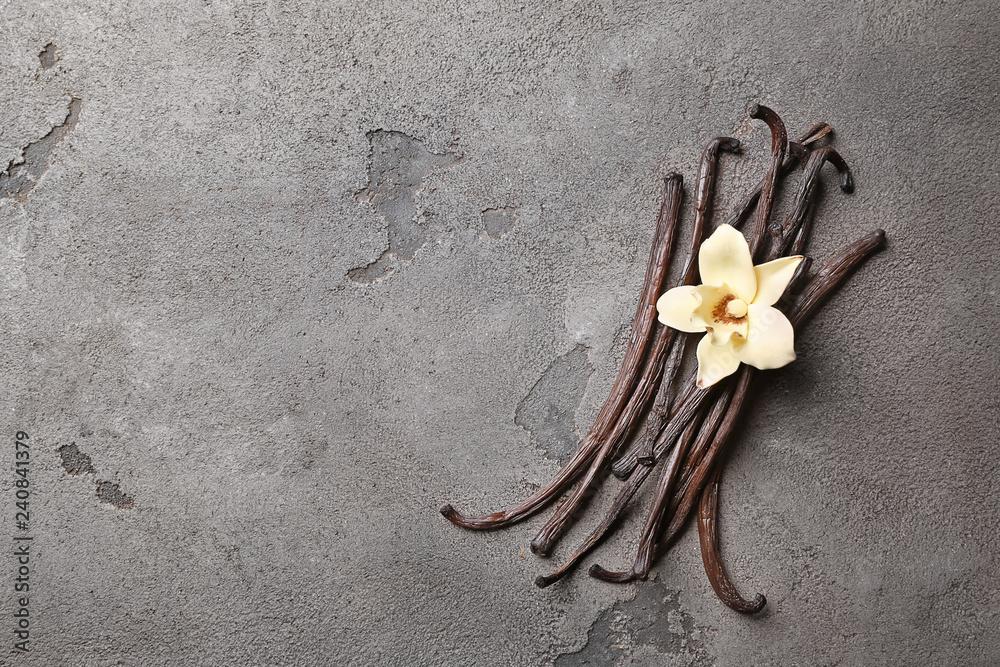 Fototapety, obrazy: Aromatic vanilla sticks on grey background