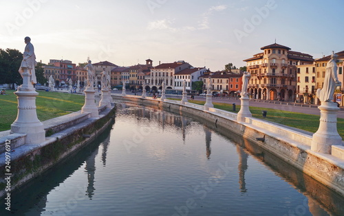 Fotografie, Obraz  Canal of Prato della Valle square at sunset, Padua, Italy
