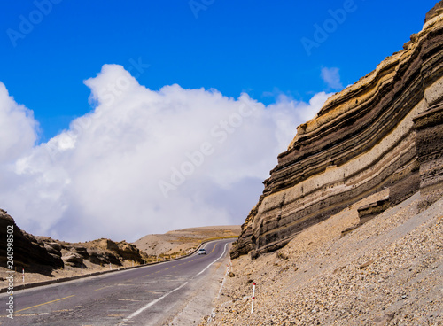 Foto op Aluminium Zuid-Amerika land Panoramic winding road crossing Chimborazo national park, Ecuador