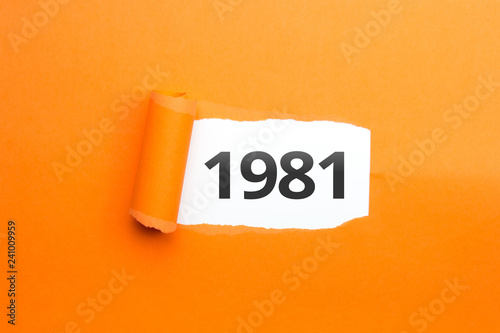 Photographie  surprising Number / Year 1981 orange background