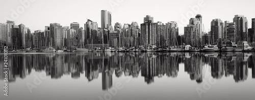 Fototapety, obrazy: Vancouver Skyline schwarz weiß - Vancouver Kanada