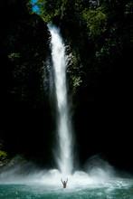 Catarata Rio Fortuna, Pargue Nacional Volcan Arenal, La Fortuna, Costa Rica