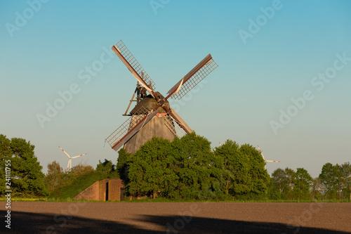 Deurstickers Historisch geb. Windmühle