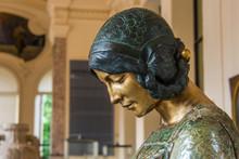 Woman Portrait Art Nouveau Statue