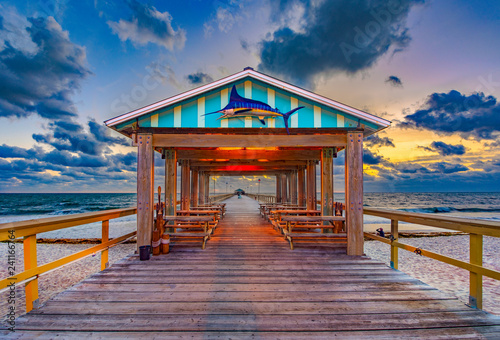 Photo  Fishing Pier in Fort Lauderdale, Florida, USA