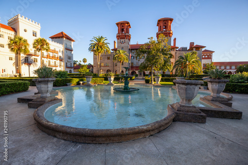 Obraz St. Augustine, Florida, United States - October 30, 2018: Beautiful Fountain in Lightner Museum during a sunny sunset. - fototapety do salonu