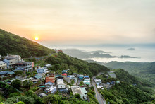 A Sunset View Of An Old Street Town In Jiufen, Taiwan. This Place Is On A Hillside. There Are Old Buildings And Houses. The Sea View Is Breathtaking. This Is A Popular Tourist And Local Destination.