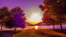 Morgenstimmung Am Ufer Von Dongo Am Comer See, In Prächtigen Farben