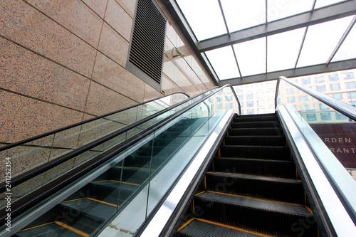 Fototapety, obrazy: glass automatic elevator