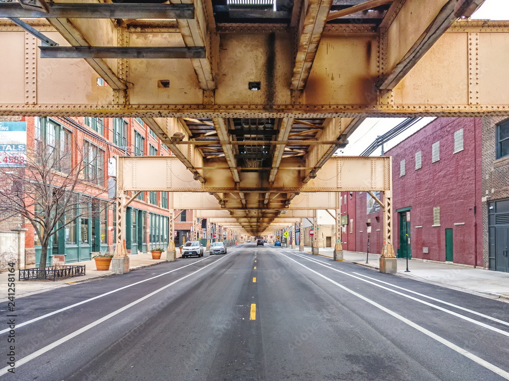 Fototapety, obrazy: Lake Street underneath the elevated train in the Fulton Market neighborhood, east perspective. Main streets in Chicago, streets in Illinois.