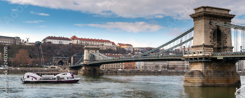 Spoed Foto op Canvas Historisch geb. Panoramic view of Budapest the Chain bridge