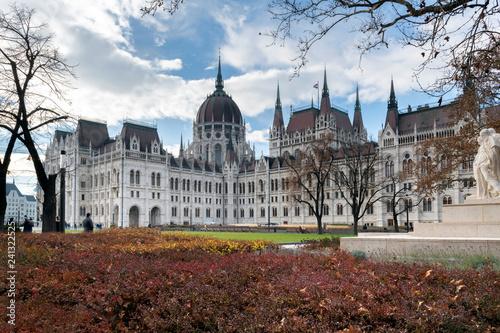 Deurstickers Historisch geb. Hungarian Parliament in Budapest