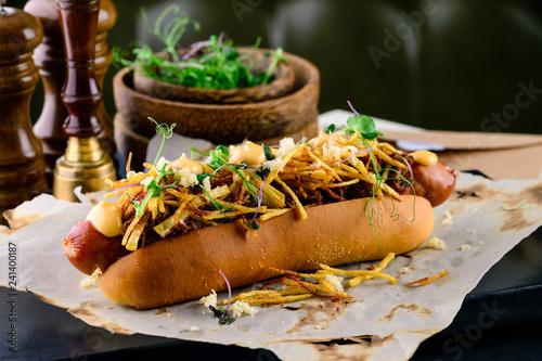 Fotografía Delicious grilled hotdog in a restaurant