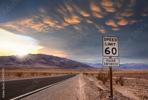 Wall Murals Route 66 magnifique ciel dans le désert