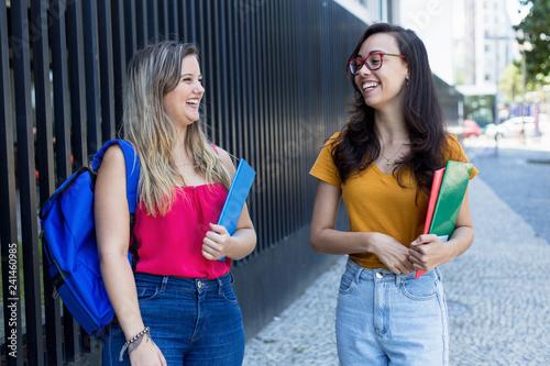 Junge Hübsche Studentinnen