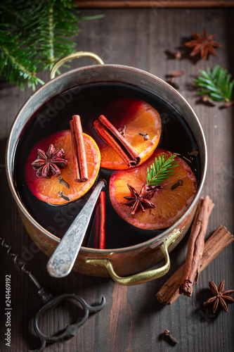Aromatic and strong mulled red wine with cloves and anise